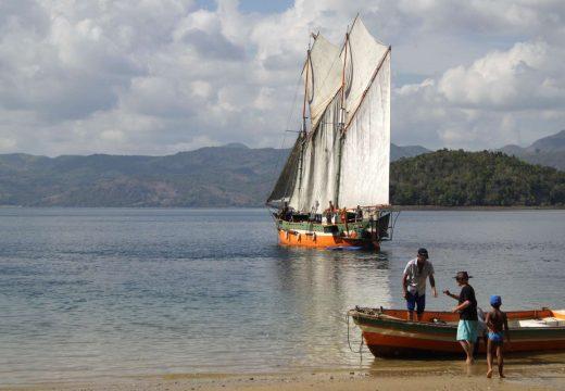 Débarquement du voilier Nofy Be